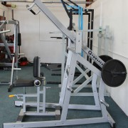 Wide Plate Loaded Lat Pull Down 3